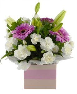κουτί μέ λουλούδια