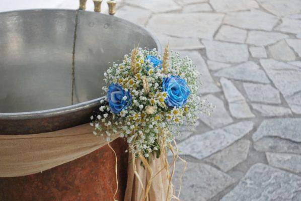 ΣΤΟΛΙΣΜΟΣ ΓΑΜΟΥ Ανθοσυνθέσεις, Ιδέες γάμου, Γαμήλια δεξίωση, Διακοσμητικά για γάμους, εξωτερικός στολισμός γάμου στην εκκλησία, Στολισμός Γάμου Vintage,γαμηλια διακοσμηση