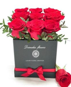 Αποστολη λουλουδιων, τριανταφυλλα σε κουτί